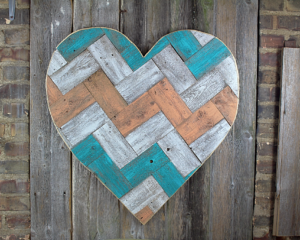 painted chevron pallet heart