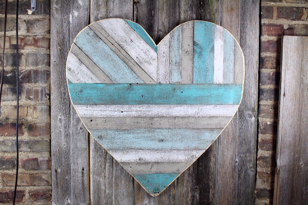painted pallet heart